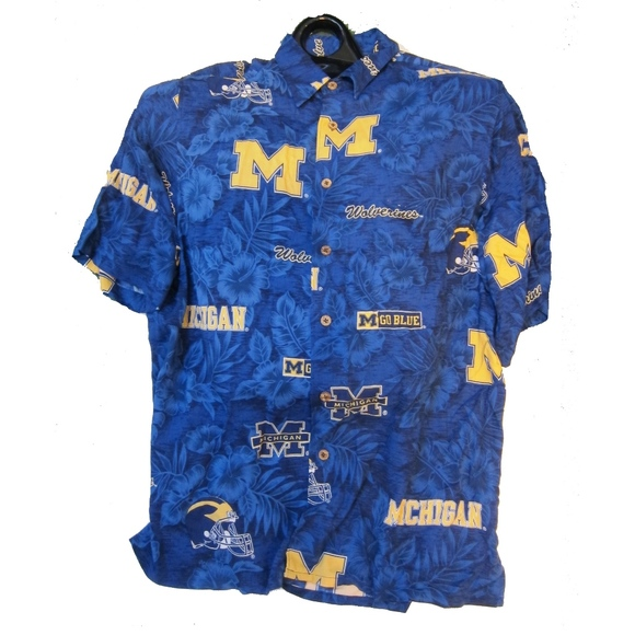 48eb74fc Reyn Spooner Shirt University of Michigan Hawaiian.  M_5b0f29c19d20f086fc28d380
